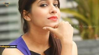 Anchor Rashmi Gautam Hot Bikini Show in Pool |  నీటి చాటు బికినీ.. | Teluguz TV