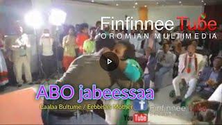 ABO jabeessaa : Caalaa Bultumee with Ebbisa's Mother on the stage