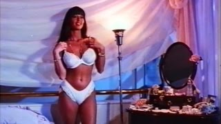 Playmate Ava Fabian in SKI SCHOOL - Trailer (1990, German)