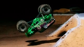 Axial AX90055 SMT10™ Grave Digger Monster Jam Truck 1/10th Scale Electric 4WD – RTR