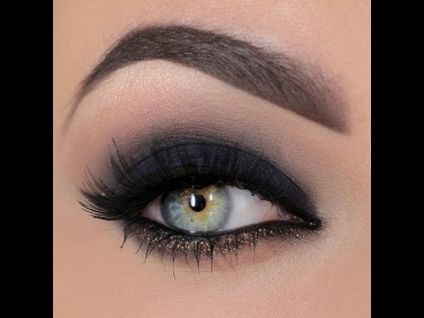 Smokey eye with a dash of glitter