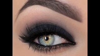 Smokey eye with a dash of glitter