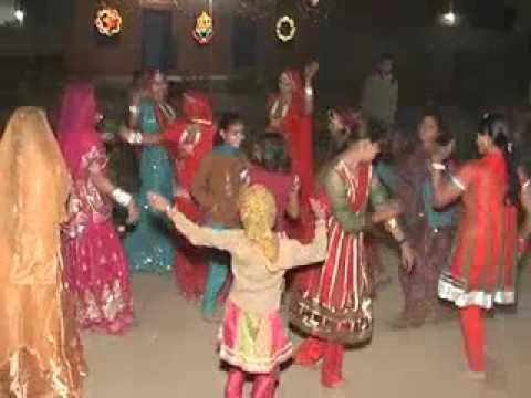 rajasthani woman dance salwa kallan village
