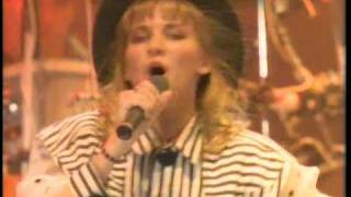 Debbie Gibson - Shake Your Love.HQ.Live @.A.J.Palumbo Center.Pittsburg,(16.Sept-1988)