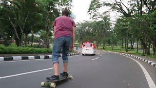 Jakarta car-free day skate