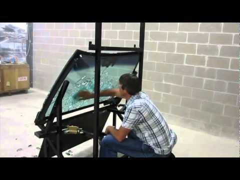Teste de vidro blindado tiros de fuzil AK 47