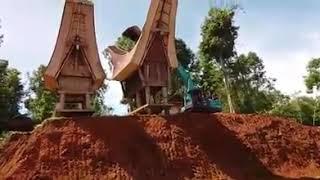 Skill Tingkat Dewa Operator Backhoe!  Toraja Punya Cerita!