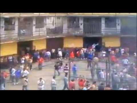 INCREIBLE PELEA EN LA CARCEL Y GRUPOS DE GENDARMERIA
