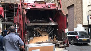 KP Waste Garbage Truck Rearloader Crushing Scrap Metal and Wood