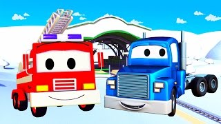 Playing in the snow with Carl the Super Truck, Franck the Fire Truck  & his friends in Car City