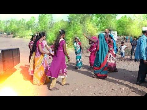 Xxx Mp4 Adivasi Dance Video Barat Me Aadivasi Dance Video Aadivasi Ladhkiyo Ka Dance Video VIP Family Dance 3gp Sex