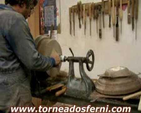 Torneados Ferni presenta torneado en madera peana de columna