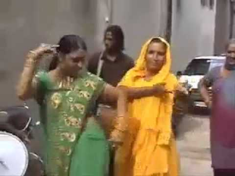 Funniest Dance ever by a women in an Indian Marriage