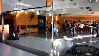 VOCE SUBIA  KUARTO DE EMPREGADA. Coreografía Fit Dance