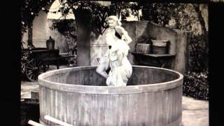 I LOVE LUCY STOMPING GRAPES
