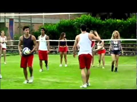 Alunos jogam volei. Meninas tiram a blusa e meninos perdem RebeldeBr YouTube.flv