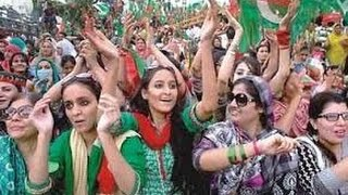 i Wants To kiss Imran Khan A crazy Girl In Jalsa