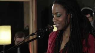 Akua Naru - Poetry: How Does It Feel Now??? (Live Performance) | SoulCulture.co.uk