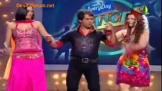 Shweta tiwari dances in pink dress with dinesh ji (dance sangram)
