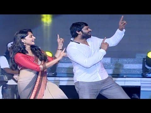 Xxx Mp4 VIDEO Prabhas Dance On Stage Anushka Shetty SS Rajamouli Baahubali 2 Trailer Released 3gp Sex