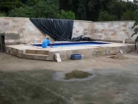 Construção de Piscina de Azulejo