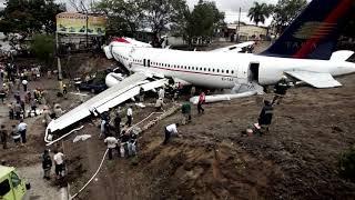 TOP 10 Aeropuertos Más Peligrosos Del Mundo