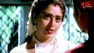 Nagma Romance With Chiranjeevi || Best Romantic Scene of Tollywood #71