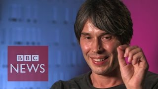 Brian Cox explains quantum mechanics in 60 seconds - BBC News