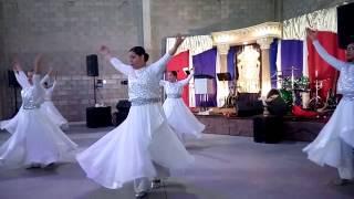 Darash Panim - Danza con Waving Flags, Banderas y Espadas