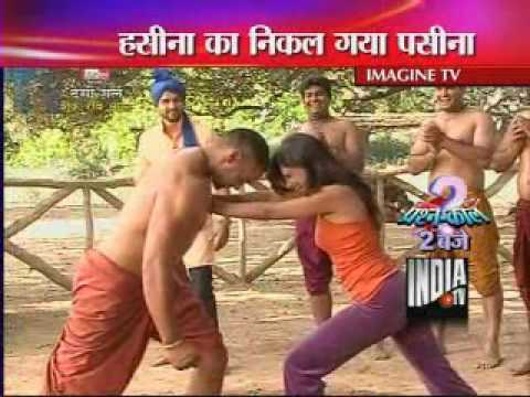 Desi Girls Fight Wrestlers - India TV