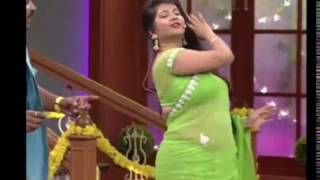 Indian desi aunty dancing hot and sexy