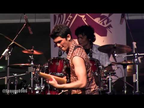 Shadu Rasjidi Band - Bad News for the World @ JJF 2013 [HD]