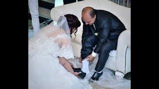 عروسة مصرية تغسل قدمي زوجها أمام المعازيم في «الكوشة»