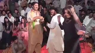 Punajbi Seraiki Song Main Mahi Day Khooh Very Hot Dance   Mehfil Mujra
