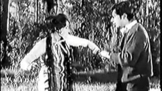 Kiya Hai Jo Pyar To Paray Ga Nibhana - (Late) Ahmed Rushdi.flv