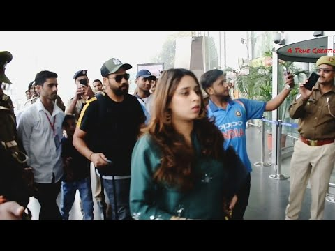 Xxx Mp4 Rohit Sharma With His Wife Ritika Sajdeh At Lucknow Airport 3gp Sex