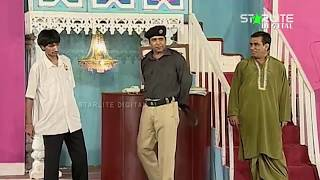 Best Of Nasir Chinyoti and Qaiser Piya New Pakistani Stage Drama Full Comedy Funny Clip