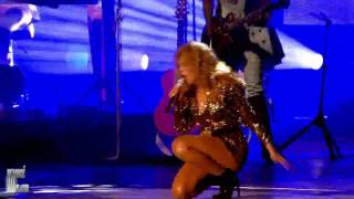 Beyonce - Halo Live at Glastonbury 2011 HD