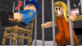 I HAVE TO ESCAPE PRISON BEFORE HE WAKES UP! (Roblox)