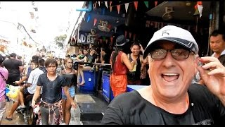 PATTAYA, SONGKRAN 2017, SOI's 7 & 8 BEACH ROAD ! Vlog 187