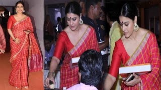 Kajol in Hot Red Saree VISITS Durga Puja Pandal 2016 Celebration