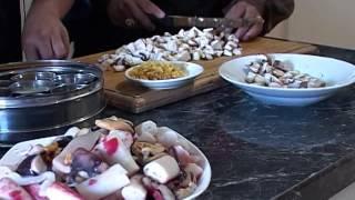 Nadia Slamang cooked a lekker Prawn dish on my Proe TV cooking show.