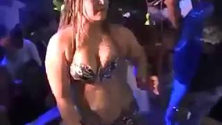 اتفرج على راقصات  هيجت الناس فى فرح شعبى