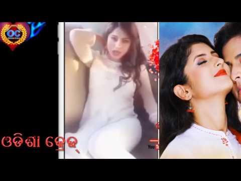Bhubaneswar KIIT College Hot Girl Dance Inside Car Song of Sister Sridevi Titel Song