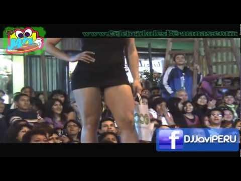 Lucecita Ceballos Nieto en mini falda de infarto v Fashion Mode II 2010