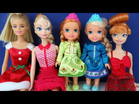 CHRISTMAS Celebration Elsa & Anna toddlers Elsa causes Power Blackout Singing Carols Playing