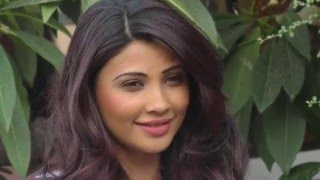 Daisy Shah Interview For New Year 2016, Country Club