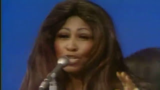 TINA : PROUD MARY (Rollin' Through The Decades)