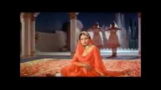 Pakeezah - Chalte Chalte Yunhi Koi Mil Gaya Tha - Lata Mangeshkar - YouTube.flv