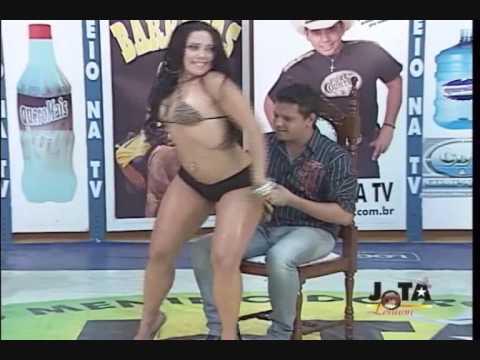 Garota TANTÃO senta no colinho de Eduardo LUIZ GUSTAVO & EDUARDO